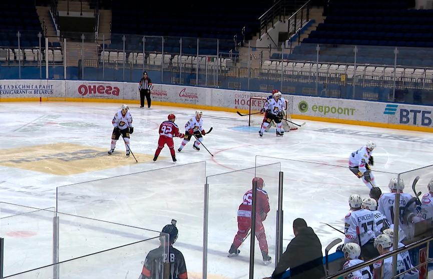 Чемпионат Беларуси по хоккею: «Динамо-Молодечно» встретится со жлобинским «Металлургом»