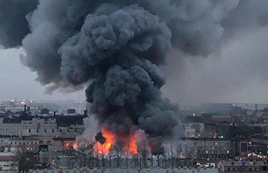 Гипермаркет загорелся в Санкт-Петербурге: пострадали два человека