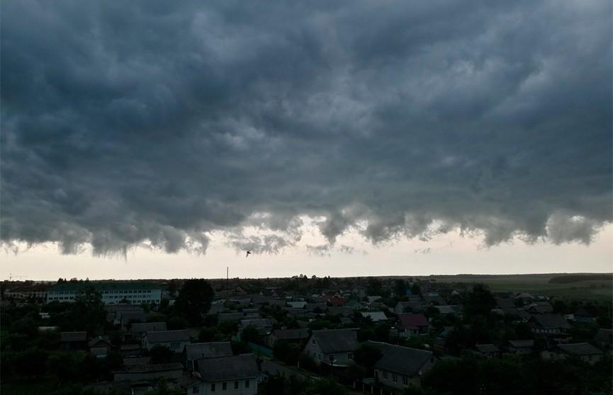 Грозы, град и оранжевый уровень опасности: погода на 27 июня