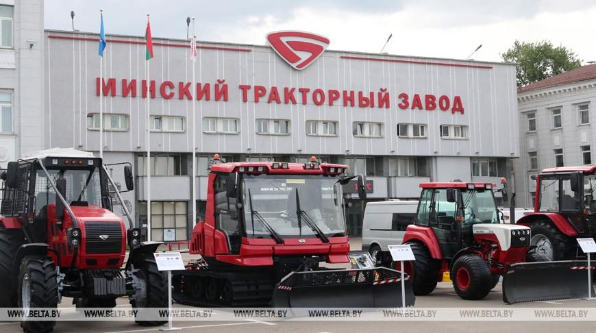На МТЗ сотрудникам за вакцинацию от COVID-19 будут платить 80 рублей