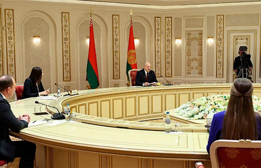 Лукашенко о главном способе борьбы с цветными революциями: Сплотиться и выступать единым фронтом