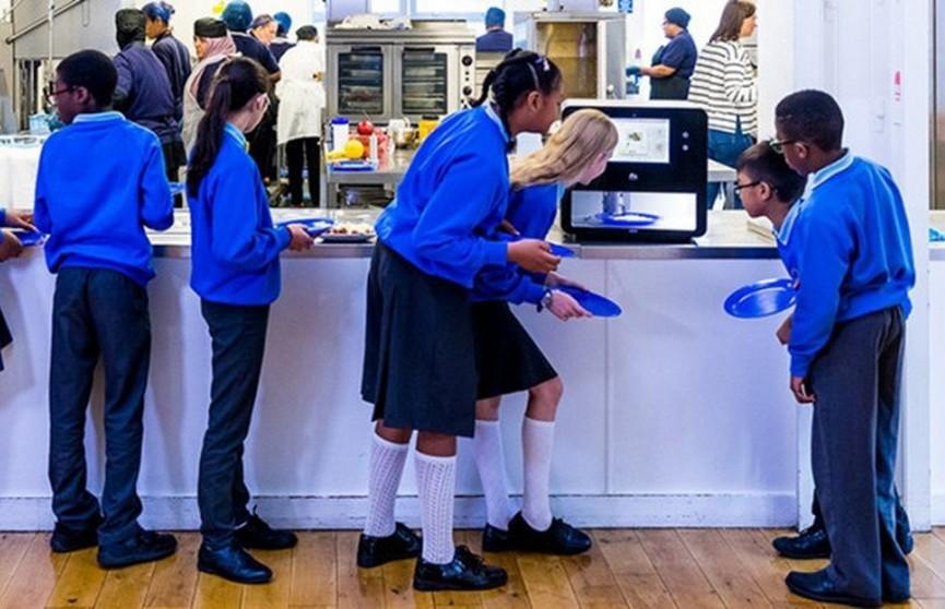 3D-принтер накормил английских школьников