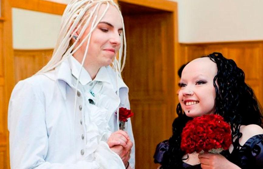 Что стало с молодоженами, чьё фото всколыхнуло Интернет?