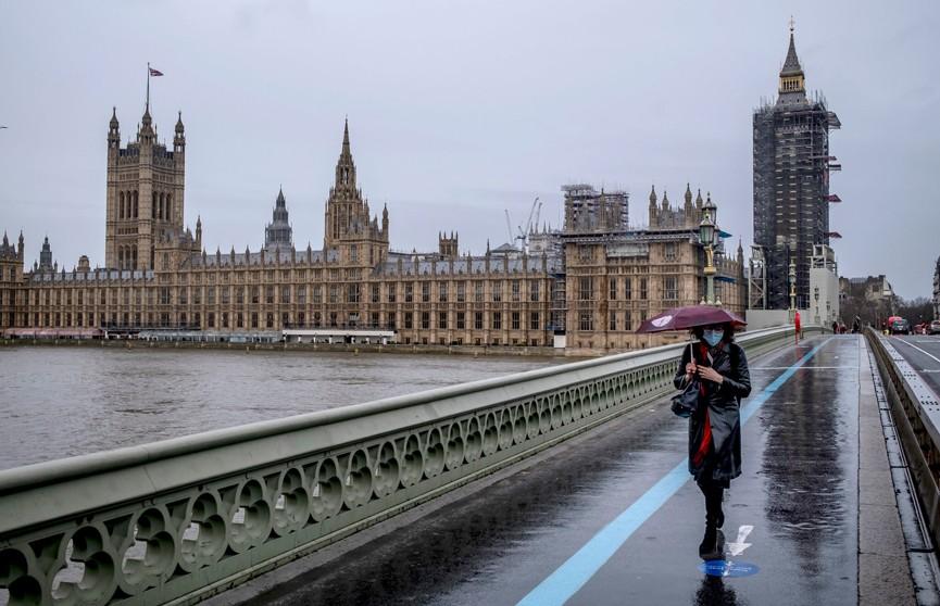 Власти Великобритании ужесточают правила въезда