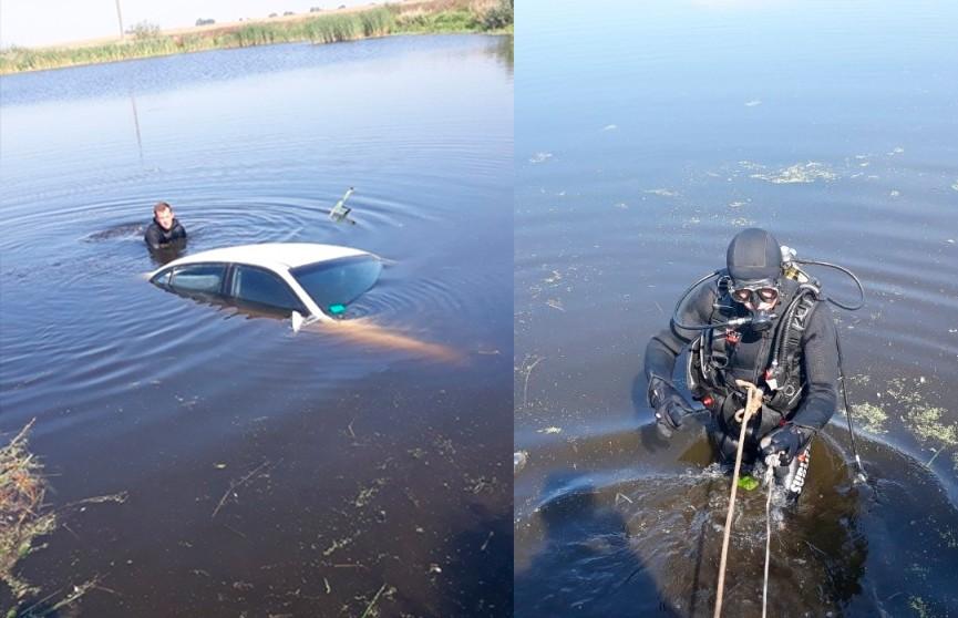 Под Гомелем водитель легковушки не справилась с управлением и съехала в озеро