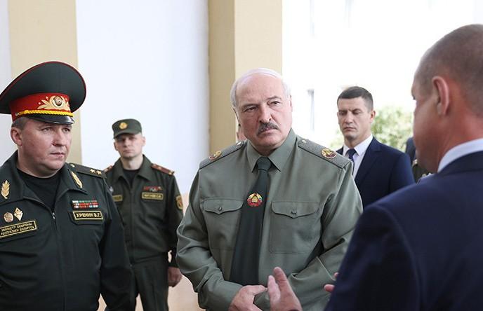 Лукашенко: настоящий отпор противникам способна дать только всенародная оборона