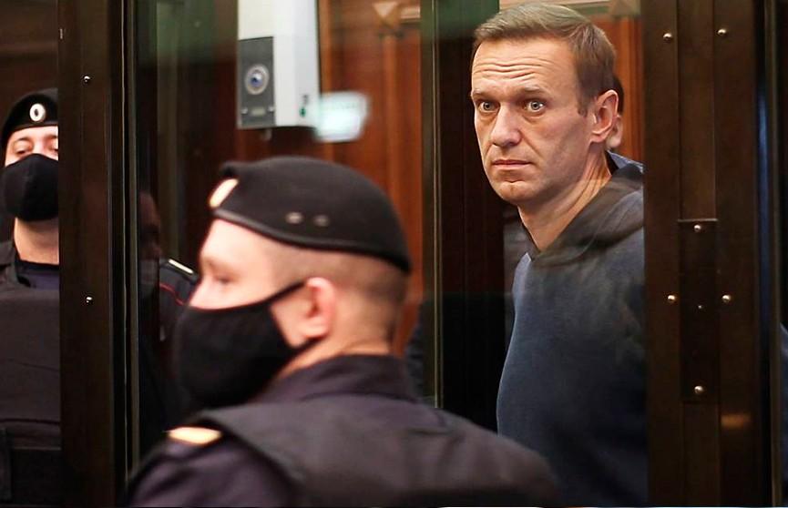 Заседание по делу Алексея Навального: судьи удалились для вынесения приговора