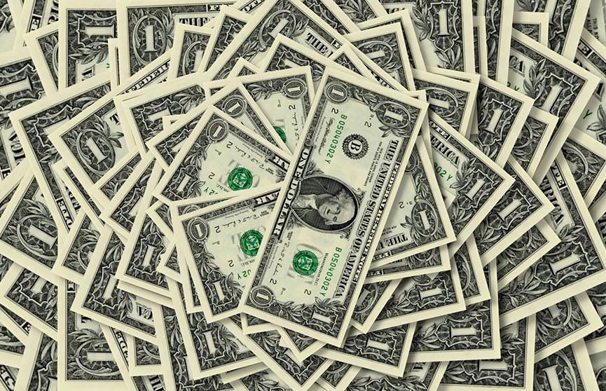 Грабитель разбросал деньги, пожелав счастливого Рождества