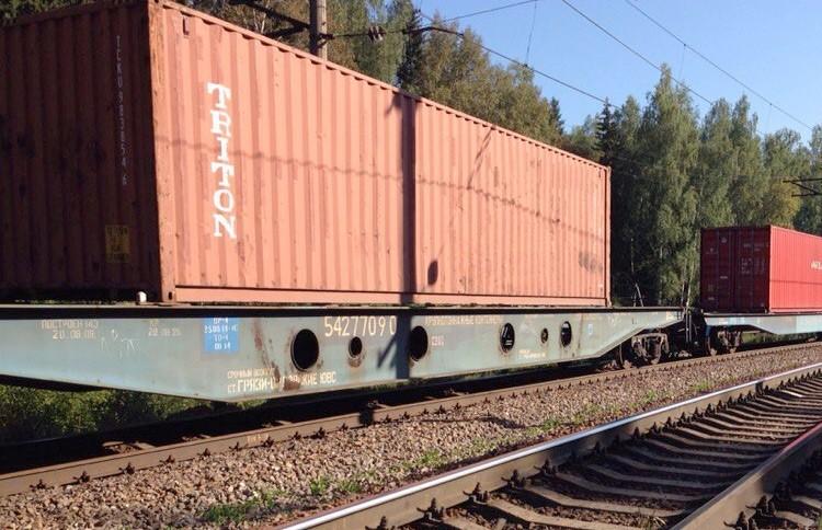На перегоне Уша-Олехновичи из-за поломки остановился товарняк. Пассажирские поезда прибывают с опозданием
