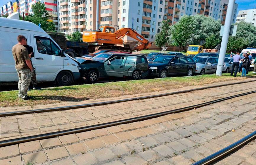 Массовое ДТП в Витебске: столкнулись шесть автомобилей