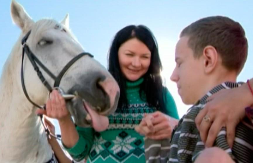 Активистки Белорусского союза женщин побывали на ранчо, где детей лечат иппотерапией