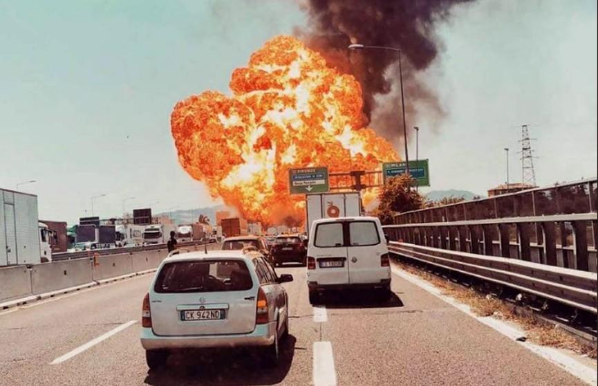 Число пострадавших при взрыве в Болонье возросло до 84 человек