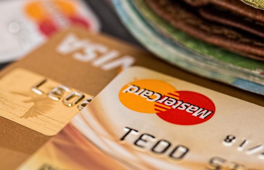 С 1 июля таможня сможет запрашивать в банках сведения про количество банковских счетов и остатки на них. Что нужно об этом знать?