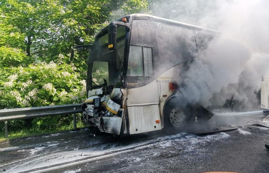 На Кубани столкнулись два пассажирских автобуса с детьми. Есть пострадавшие