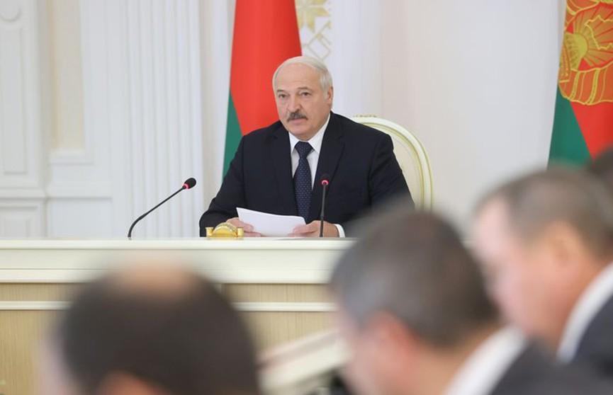 Интеграция с Россией, нацбезопасность, проблемные предприятия. Президент провел совещание с Советом Министров