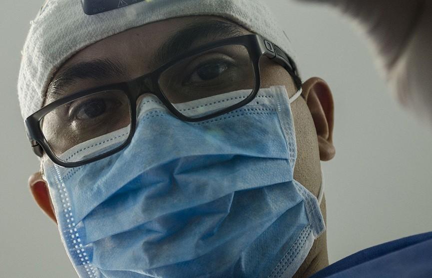 Столетний пациент излечился от коронавируса в Китае