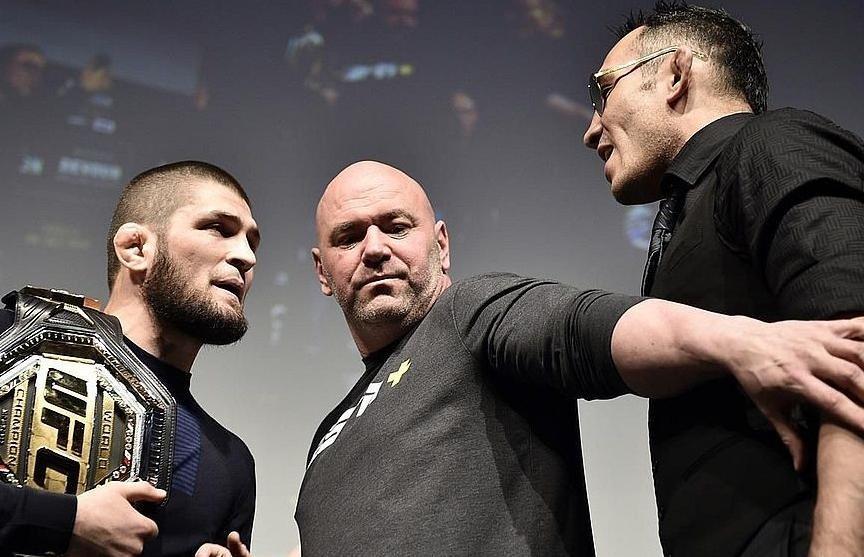 Глава UFC пошутил о бое Нурмагомедова и Фергюсона и показал бойцов старыми