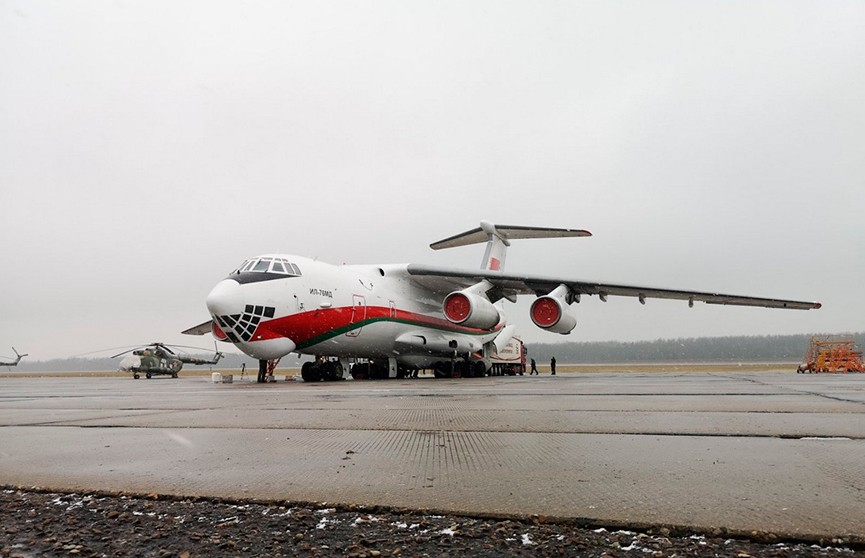 Беларусь отправила в Китай еще один самолет с гуманитарной помощью