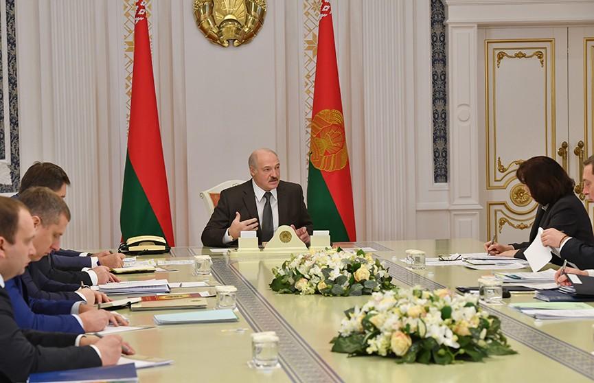 Александр Лукашенко рассказал о переговорах с Владимиром Путиным и развеял миф о возможном объединении Беларуси и России