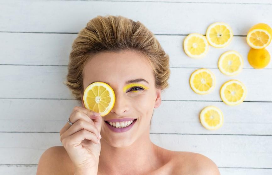 Не только от простуды! Всесторонний уход: лимон для лица, волос и ногтей