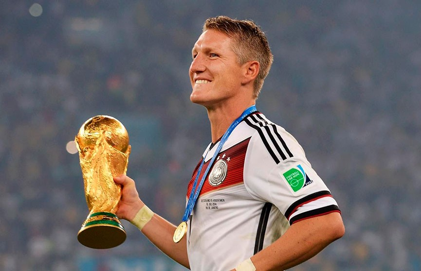 Легендарный немецкий футболист Бастиан Швайнштайгер завершил карьеру
