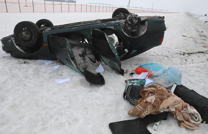 В Белыничском районе Toyota вылетела в кювет и перевернулась