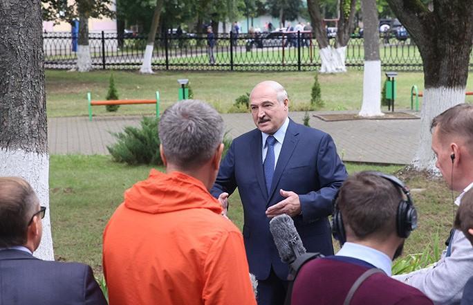 Лукашенко о санкциях со стороны стран Балтии: Им дали команду «фас», они и вякнули из-под забора