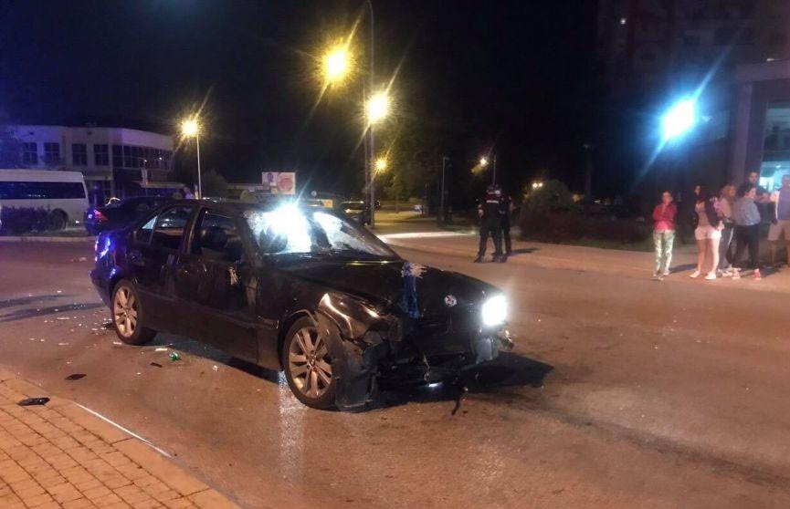 СМИ: в Черногории водитель намеренно врезался в толпу людей