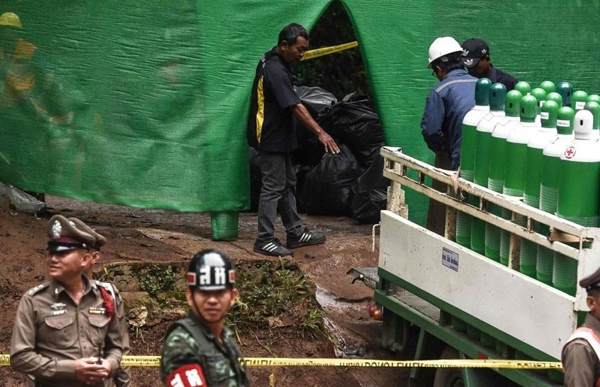 Восемь детей спасены из пещеры в Таиланде