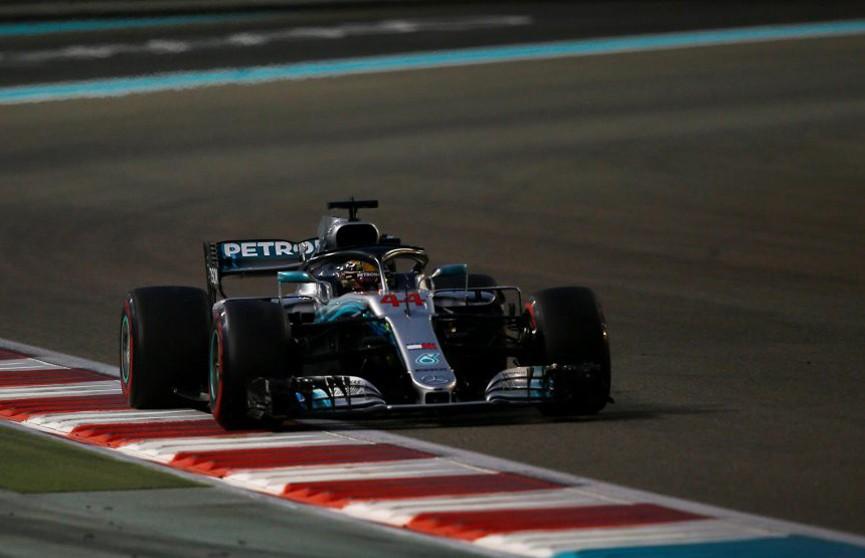 Льюис Хэмилтон выиграл последнюю гонку сезона Формулы-1