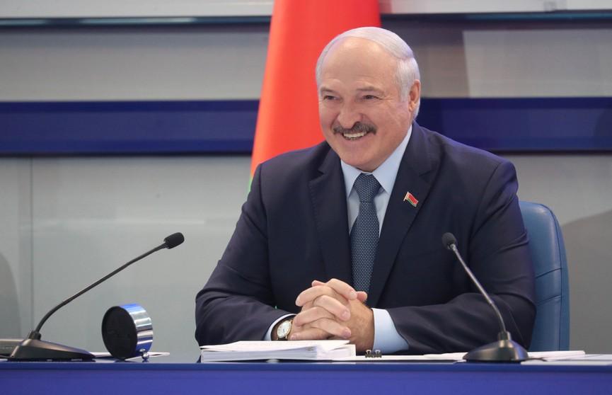 Александр Лукашенко рассказал, как совершал утренние пробежки на 15 км в Арабских Эмиратах