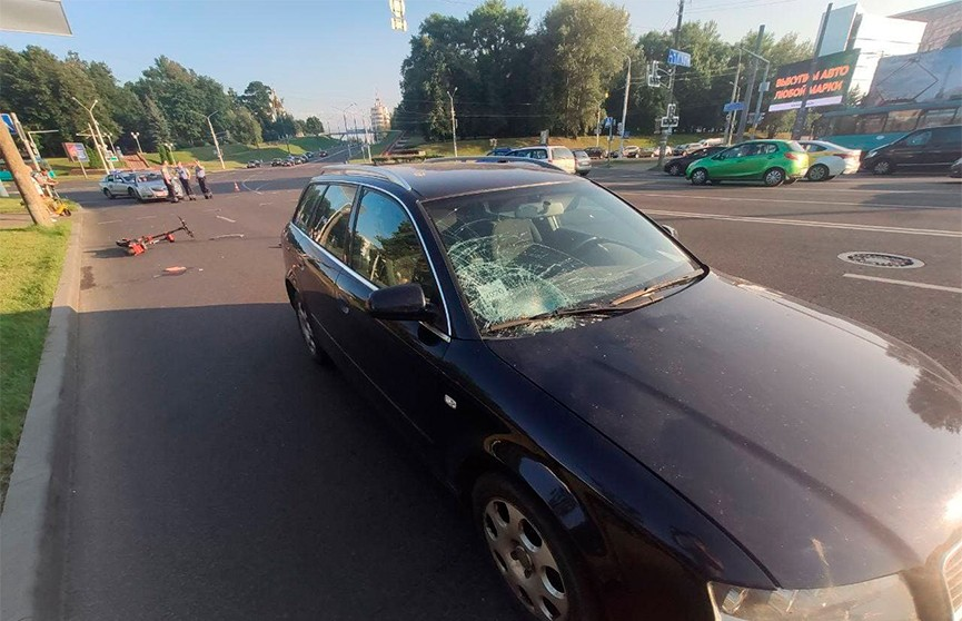 Audi сбил мужчину на электросамокате на пр. Машерова в Минске