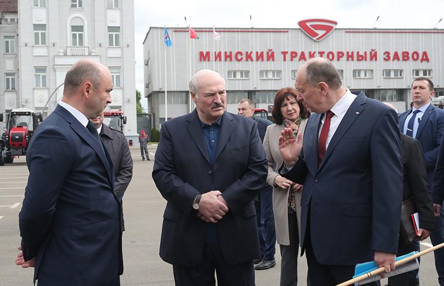 Лукашенко: На Западе уже дикая безработица, мы этого избежали. Подробности визита Президента на МТЗ