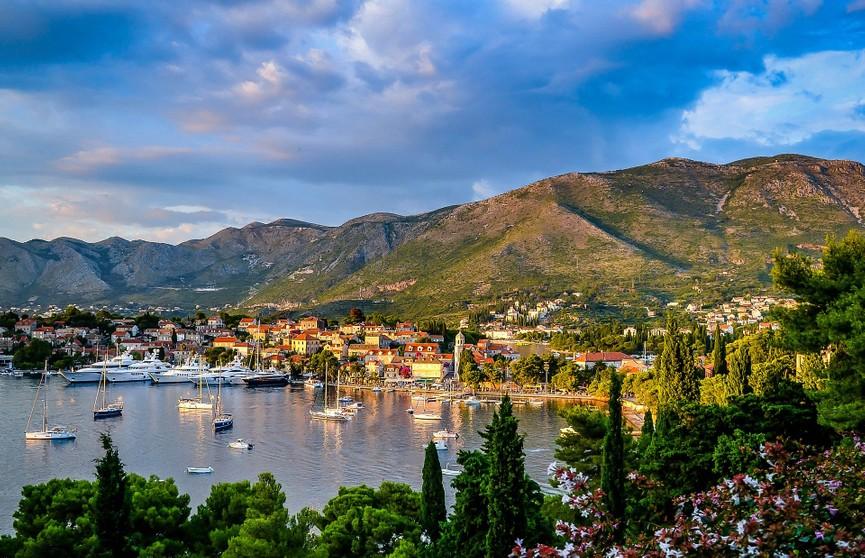 Черногория снова упростила правила въезда для туристов