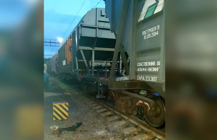 Школьник получил удар током, забравшись на вагон в Минске