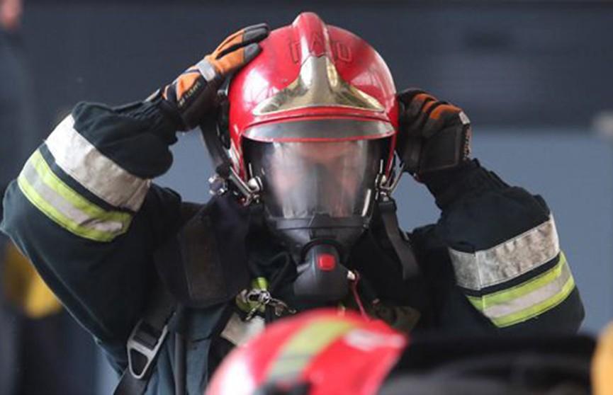 Жилой дом эвакуировали во время пожара в Городке