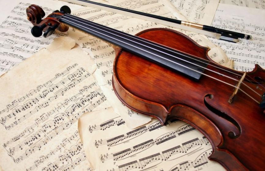 Забытую в лондонской электричке антикварную скрипку XVIII века вернули владельцу