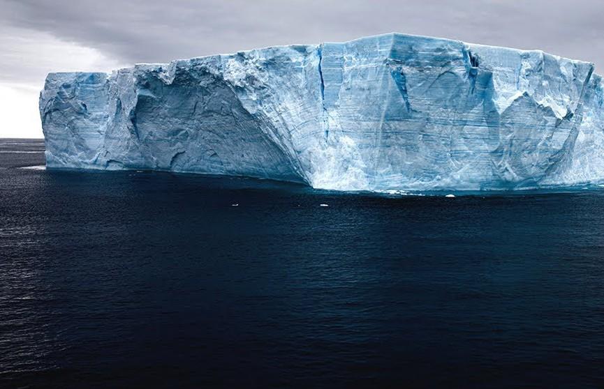 В Эмиратах планируют получать питьевую воду из айсбергов
