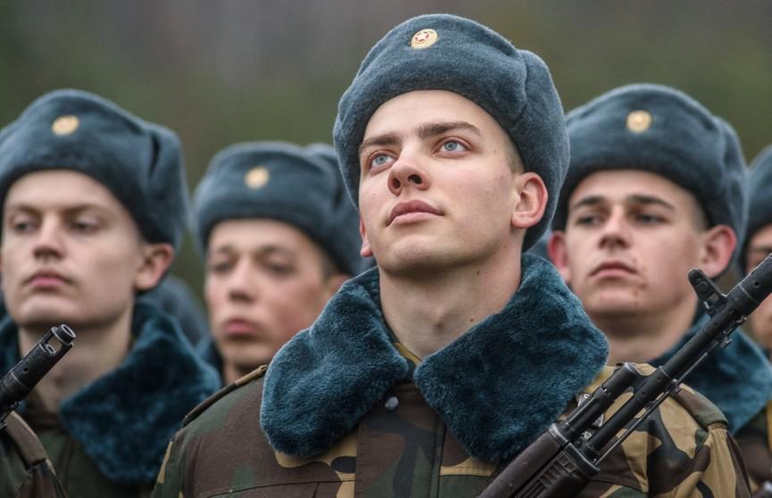 Лукашенко: Белорусская армия отвечает всем современным требованиям