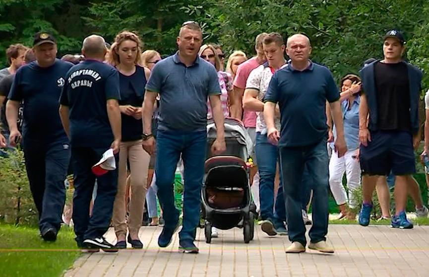 Хоккеисты минского «Динамо» перед стартом нового сезона приняли участие в семейном празднике