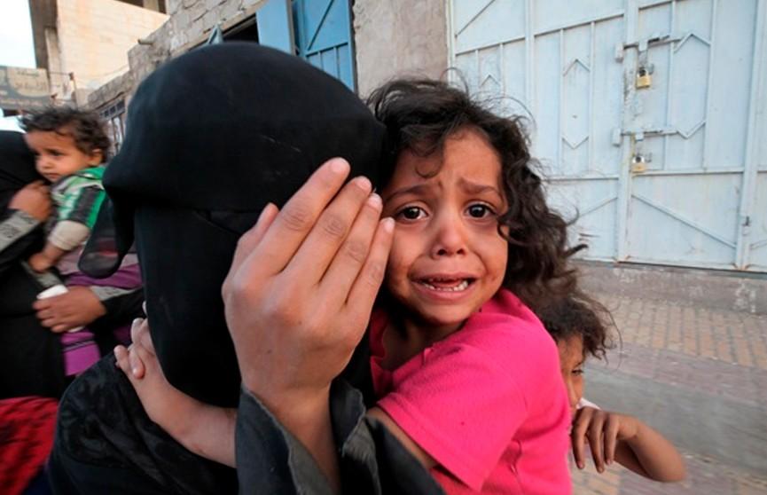 В Йемене растет число оказавшихся на пороге голодной смерти людей