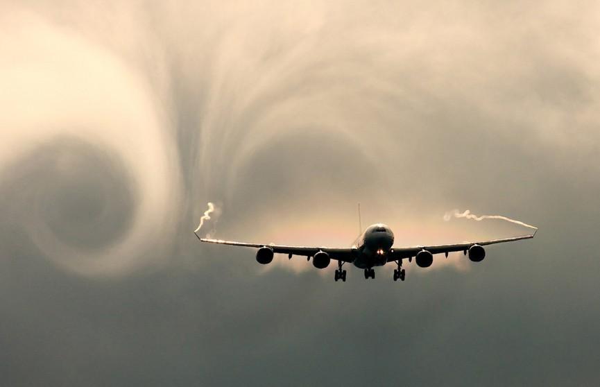 Пассажирский авиалайнер чуть не потерпел крушение из-за турбулентности в Швейцарии