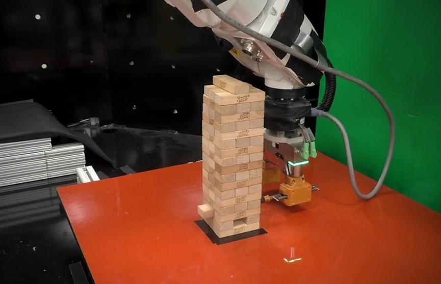 В MIT создали робота для игры в дженгу (Видео)