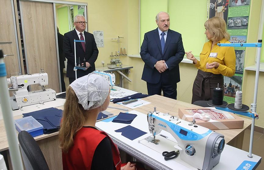 Лукашенко: Наши дети должны быть патриотами своей страны