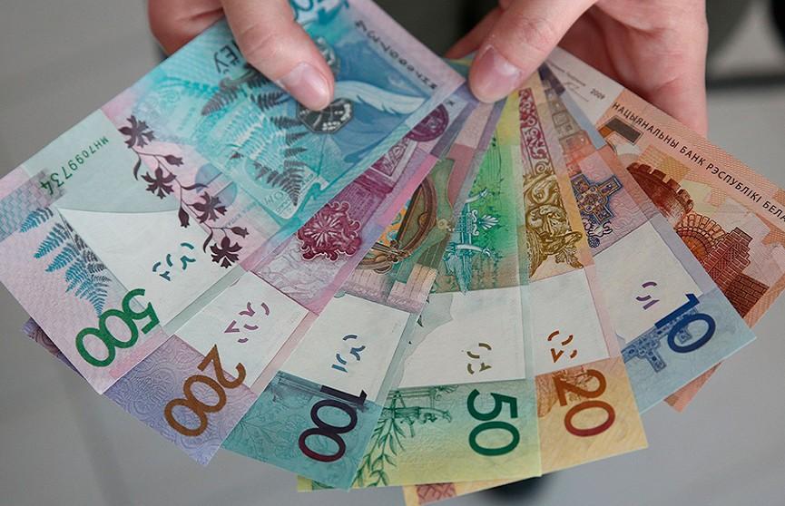 Белорусский рубль стал третьей по популярности валютой в России