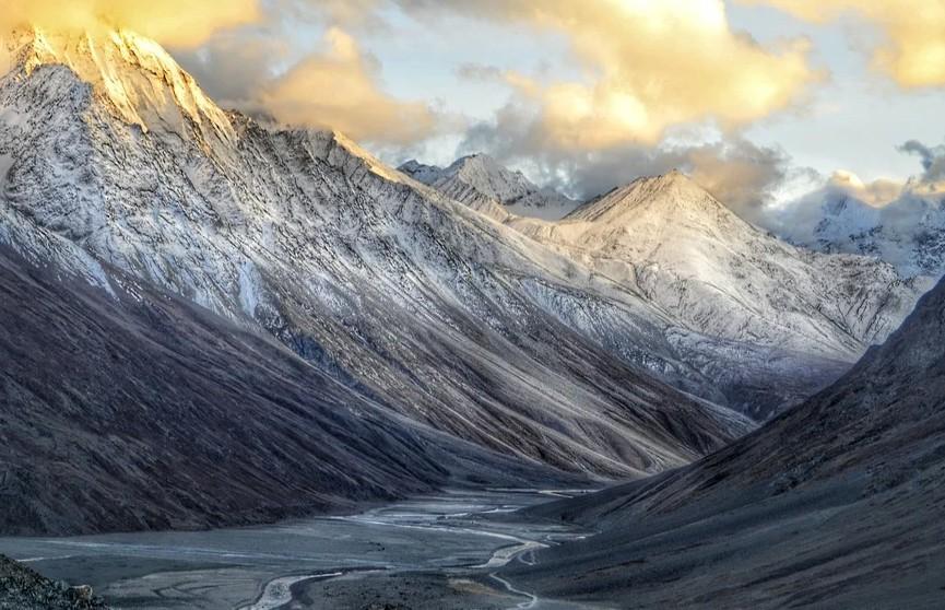 Военнослужащие Индии и Китая вступили в столкновения в Гималаях