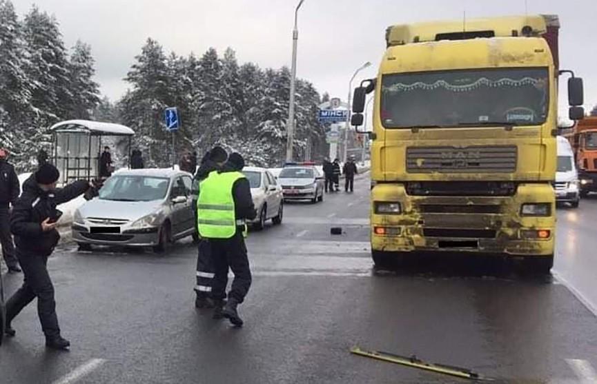 Грузовик насмерть сбил пешехода в Минске