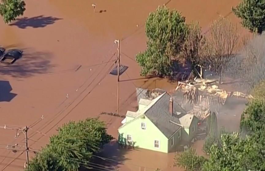 Растет число жертв урагана «Ида», который обрушился на США. Погибших уже 58