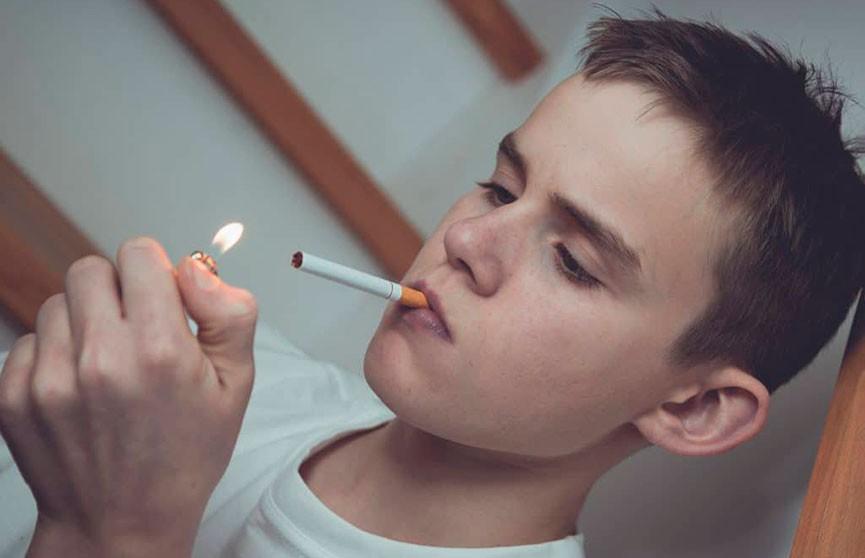 В России могут начать штрафовать родителей курящих детей