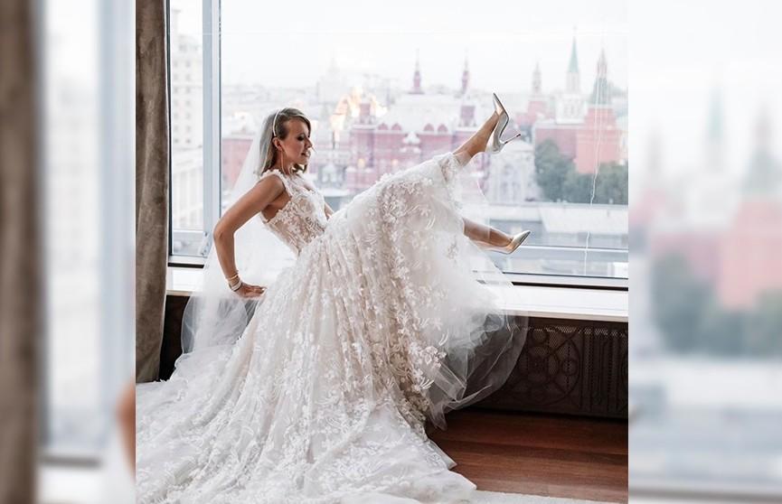Родители Богомолова ушли со свадьбы после эротического танца Собчак (ВИДЕО)